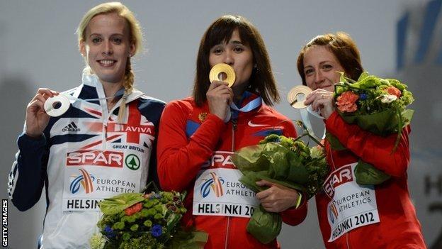 Lynsey Sharp, Yelena Arzhakova and Russian bronze medallist Irina Maracheva on the podium