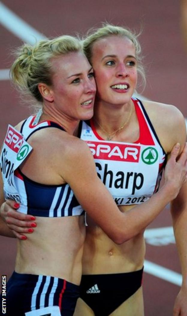Jemma Simpson congratulates Lynsey Sharp after the Scot's second-place finish