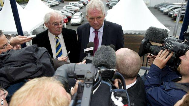 Dunfermline duo John Yorkston and Jim Leishman (left) arrive at Hampden