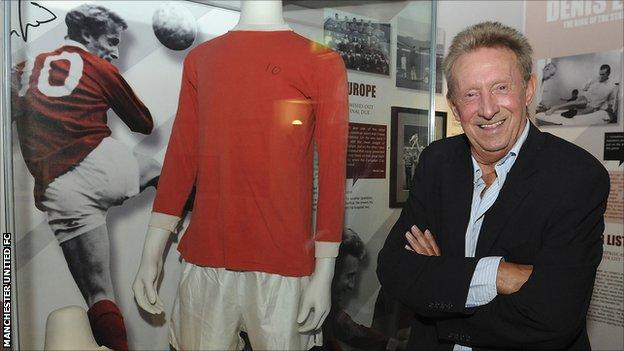 Denis Law opens the exhibition celebrating 50 years since he joined Manchester United