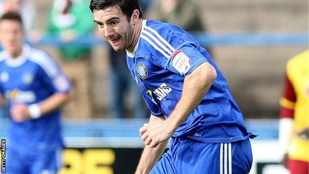 Ross Draper in action for Macclesfield