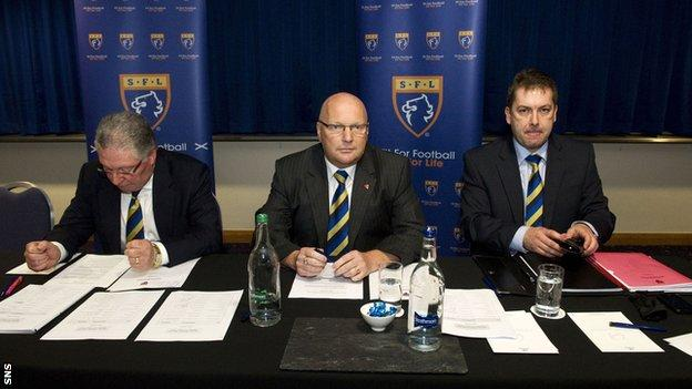 Alloa director Ewen Cameron, SFL president Jim Ballantyne and chief executive David Longmuir