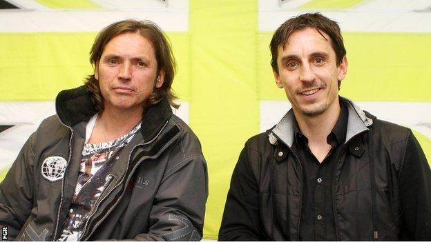 Dale Vince (l) and Gary Neville