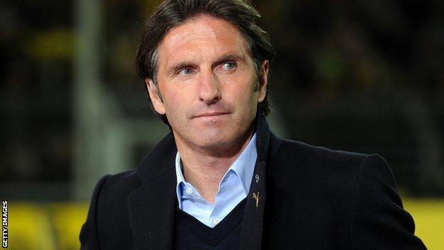 Stuttgart head coach Bruno Labbadia