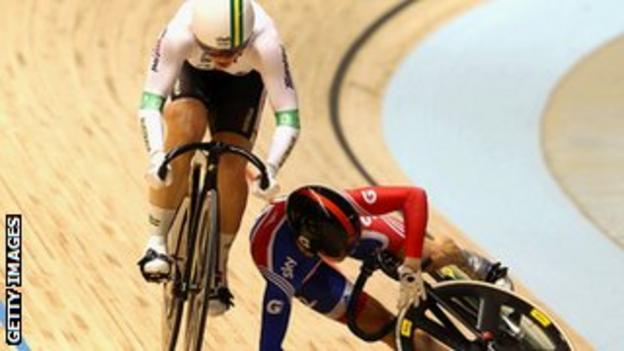 Anna Meares and Victoria Pendleton collide