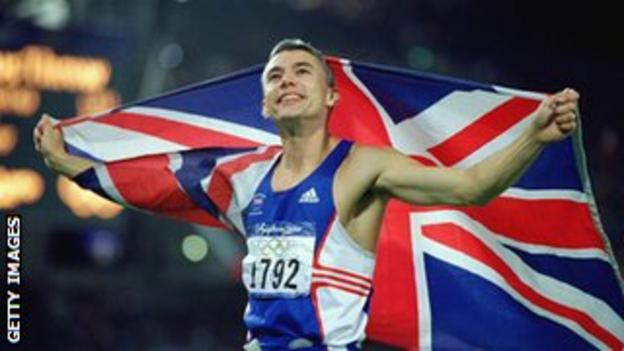 Jonathan Edwards wins Olympic gold in 2000