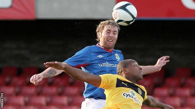 Ryan Henderson went close for Linfield in the first half