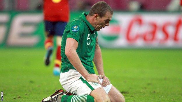 Richard Dunne during the Republic's 4-0 defeat by Spain