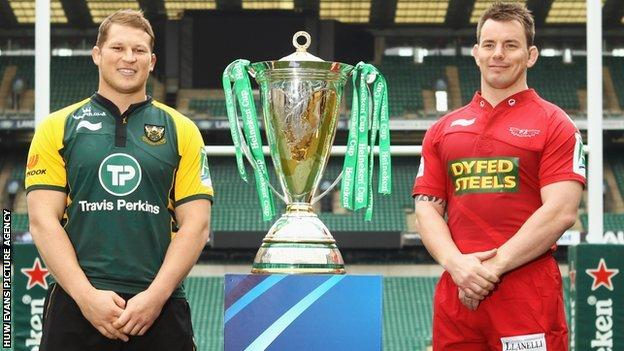 Dylan Hartley and Matthew Rees with the Heineken Cup