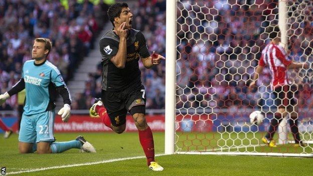 Luis Suarez equalises for Liverpool at Sunderland