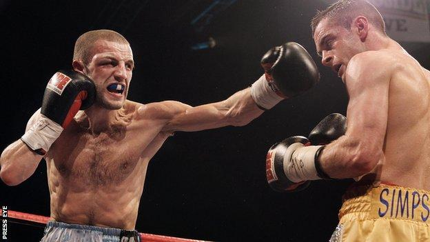 Martin Lindsay (left) lost his British title to Scotland's John Simpson in December 2010