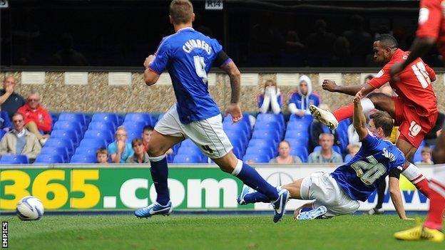 Ricardo Fuller scores for Charlton at Ipswich