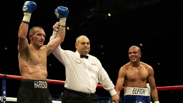 Harrison is declared the winner over Elfidh at the SECC