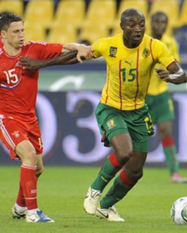 Pierre Webo (right)