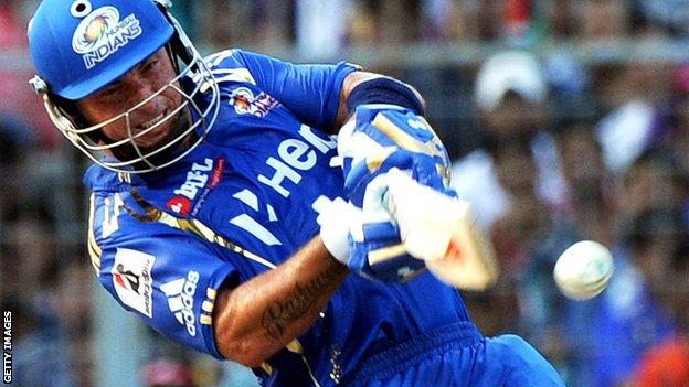 Herschelle Gibbs playing for Mumbai Indians