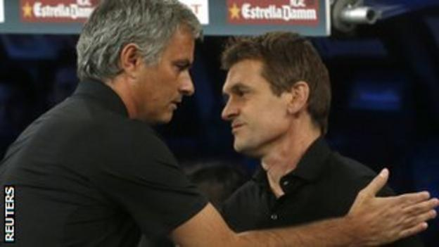 Real Madrid boss Jose Mourinho (left) and Barca boss Tito Vilanova