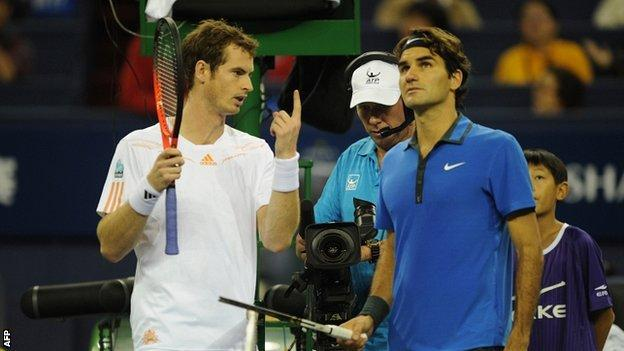 Andy Murray and Roger Federer discuss the Shanghai rain