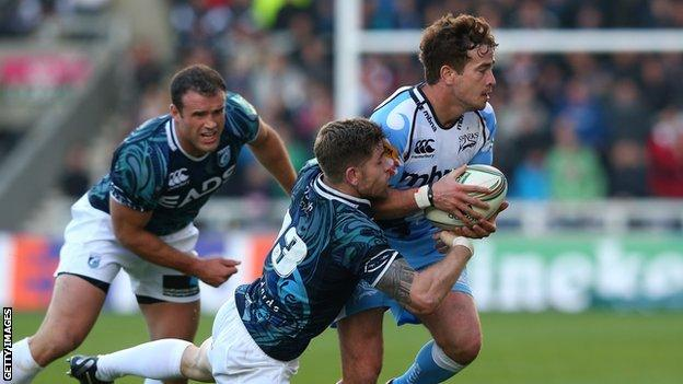 Danny Cipriani is crowded out against Cardiff Blues