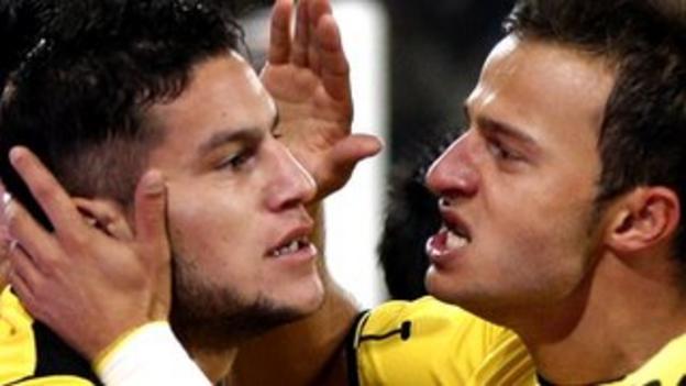 Raul Bobadilla (left)