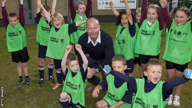 Ex-Wallsend Boys Club player Alan Shearer returns to his roots