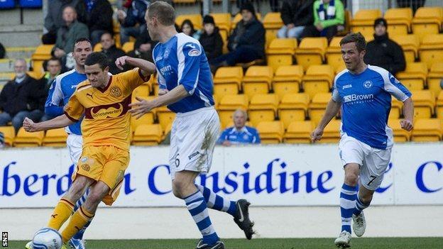 Jamie Murphy scores for Motherwell against St Johnstone