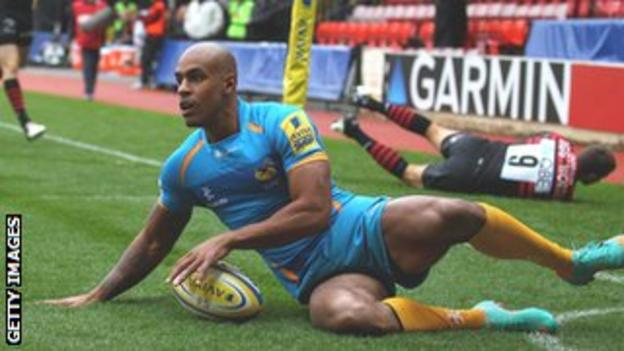 Tom Varndell scores a try for Wasps against Saracens