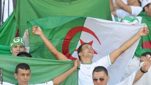 Algerian football fans