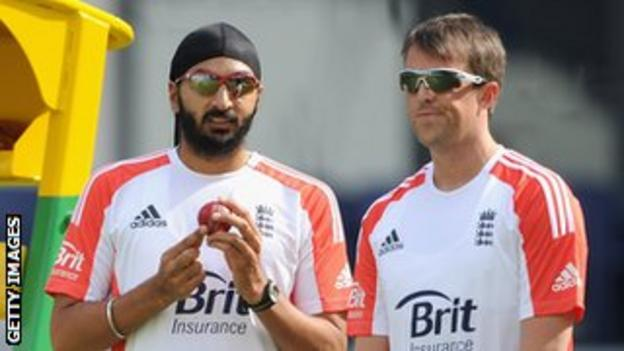 Monty Panesar and Graeme Swann
