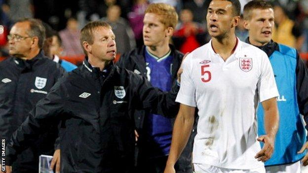Stuart Pearce (left) with Steven Caulker