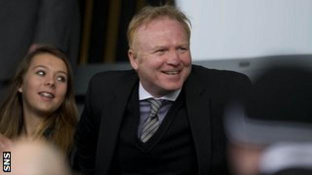 McLeish was in Scotland to address a coaching course at Hampden