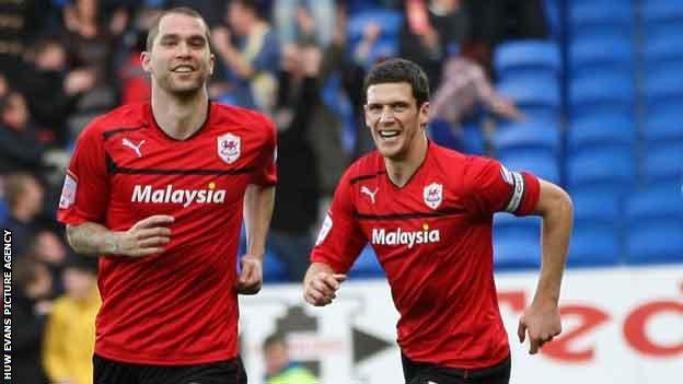 Matthew Connolly celebrates his goal