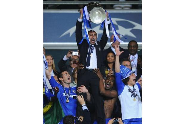 Roberto Di Matteo, Frank Lampard, David Luiz celebrate winning the Champions League
