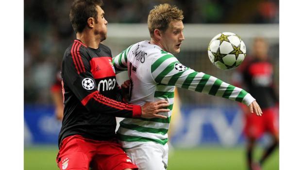 Benfica's Brazilian striker Jardel (left) vies with Celtic's Kris Commons