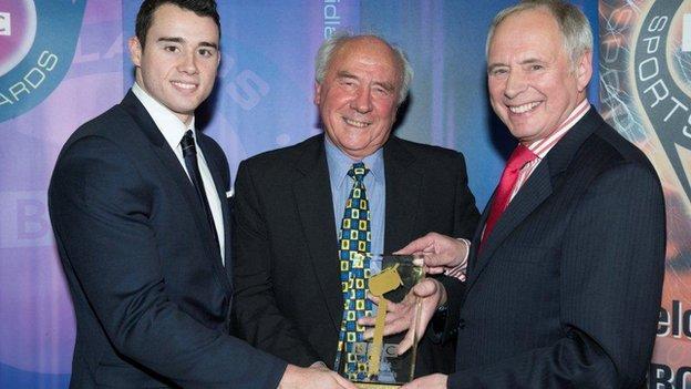 Syd Smailes receives his Unsung Hero award