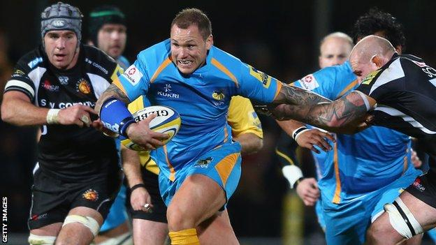 Lee Thomas playing against Exeter Chiefs