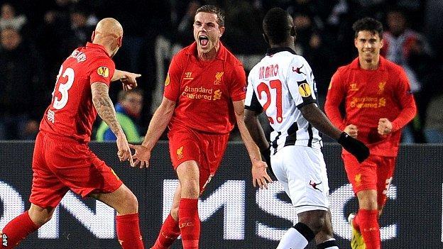 Liverpool celebrate Jordan Henderson's goal