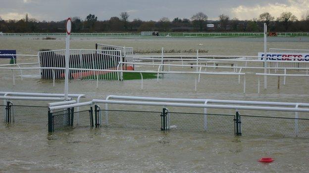 Flooding at Huntingdon Racecourse