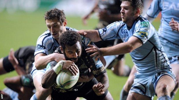 Timoci Nagusa scores Montpellier's opening try