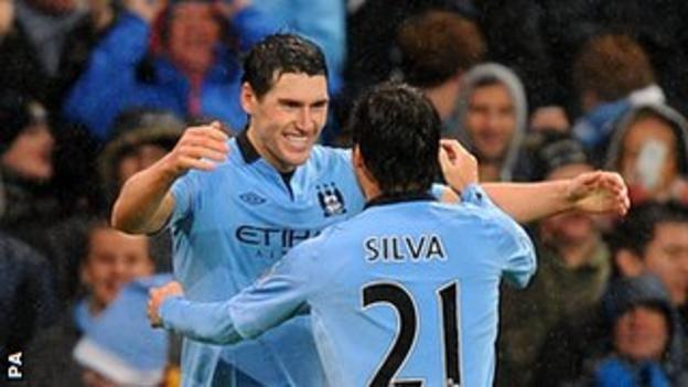Gareth Barry and David Silva (21)