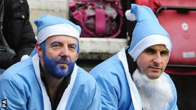 Fans throughout the country will dress as Santa Claus, no matter the colour their team play in