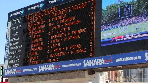 New Zealand are 45 all out on the Newlands scoreboard
