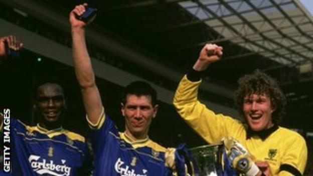 Lawrie Sanchez (centre) celebrates Wimbledon's 1988 FA Cup win with Eric Young and Dave Beasant