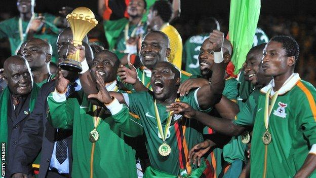Zambia team lift Africa Cup of Nations trophy