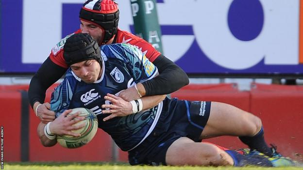 Leigh Halfpenny goes over for the opening try as Cardiff Blues take on Toulon in the Heineken Cup