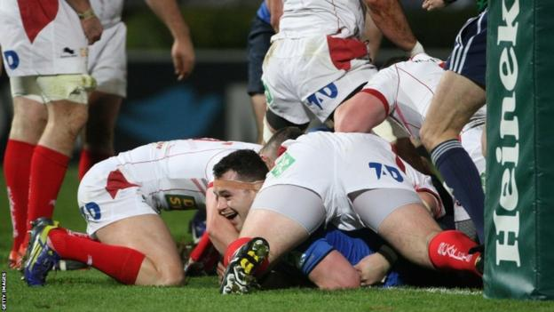 But Leinster prove too strong for Scarlets as they edge nearer the Heineken Cup quarter-finals with a five-try 33-14 victory