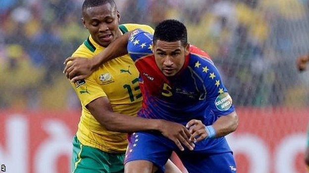 South Africa's Kagisho Dikgacoi (left) and Cape Verde's Babanco