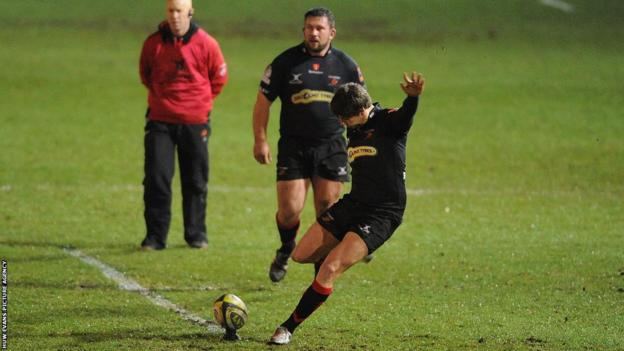 But Steffan Jones' six penalties secured victory for the Dragons at Rodney Parade.