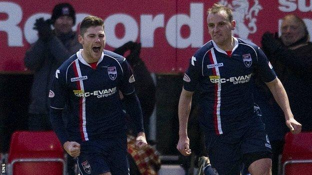 Ross County players Iain Vigurs and Grant Munro
