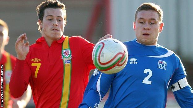 Wales' Billy Bodin in action against Iceland's Sverrir Ingi Ingason