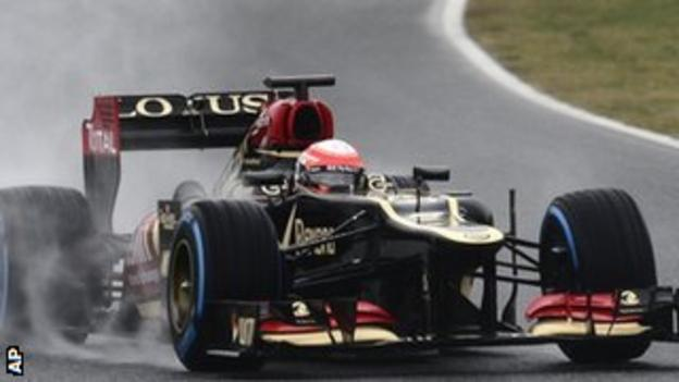 Romain Grosjean tests the 2013 Lotus in Barcelona